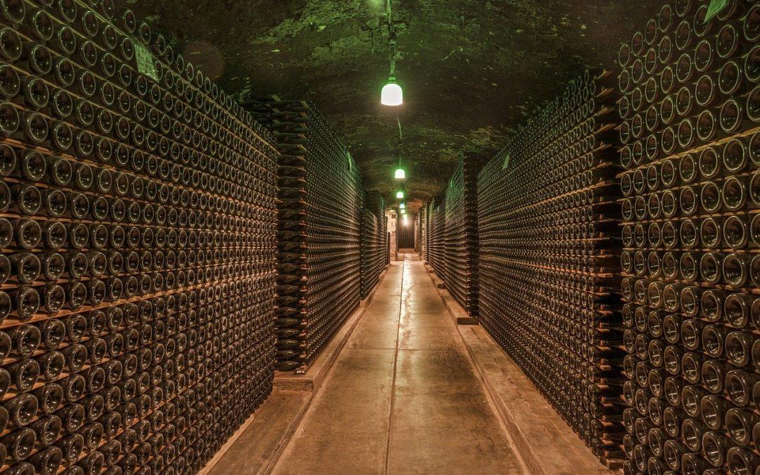 Boire du vin dans une cave est plus chic.
